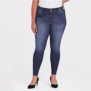 Torrid Jegging Blue Jeans Capri Stretch 24 Regular